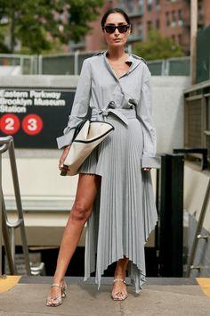 New York Fashion Week Street Style New York Fashion, Star Fashion, Runway Fashion, High Fashion, Fashion Outfits, Fashion Trends, Fashion Bags, Street Style, Cool Street Fashion