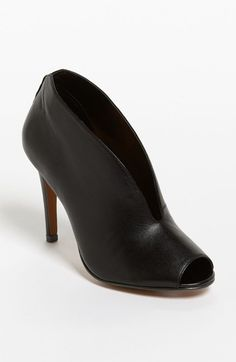 OMGOSHHH want! Would go great paired with some leather leggings. #Halogen 'Katrina' Bootie | Nordstrom