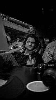 Tyler Posey Updates: Photo - Famous Last Words Teen Wolf Funny, Teen Wolf Boys, Teen Wolf Dylan, Teen Wolf Cast, Tyler Posey Teen Wolf, Wolf Tyler, Gary Lightbody, Scott Mccall, Snow Patrol