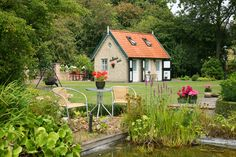 Dutch flower power #atraveo #netherlands #holidayhouse