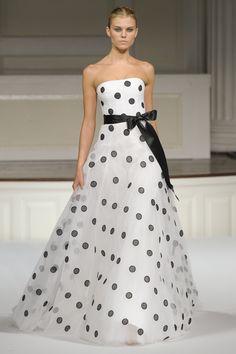 Oscar de la Renta at New York Fashion Week Spring 2011 - StyleBistro