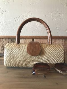 Small woven buntal handbag  woven buntal bag  vintage buntal