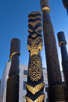 Pou Tu Te Rangi Detail Britomart 2011 Tiki Hawaii, Polynesian People, Facial Tattoos, Nz Art, Maori Art, The Beautiful Country, Light Art, Fiji, New Zealand