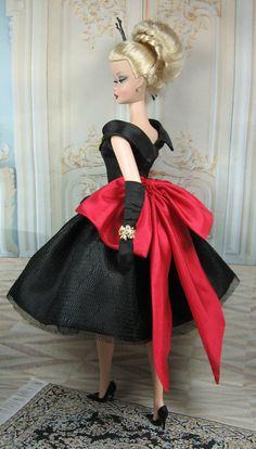 Caspia Custom Fashion.  Beautiful festive looking fashion by Matisse.