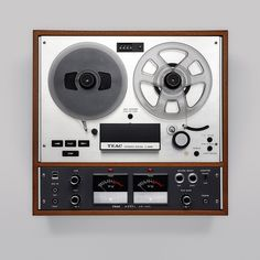 TEAC A-4010-S Auto Reverse Reel to Reel Tape Recorder. New state. Like this http://www.youtube.com/watch?v=teaty0ZU2v0