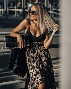 Trendy casual outfit. Vestidos Animal Print, Animal Print Dresses, All Black Fashion, All Black Outfit, Black Outfits, Classy Outfits, Casual Outfits, Fashion Outfits, Fashion Tips