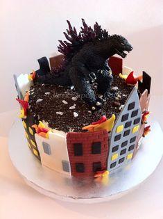 Godzilla cake - Jen's Cupcake Corner on FB Más Godzilla Party, Godzilla Birthday Party, Monster Birthday Parties, Birthday Fun, Birthday Ideas, Birthday Cakes, Cakes For Boys, Creative Cakes, Let Them Eat Cake