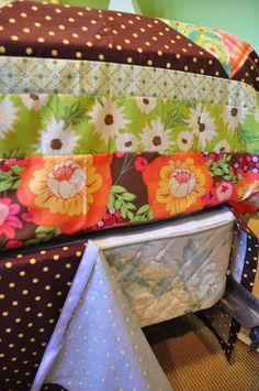 Cute DIY bed skirt -- this is perfect for the RV bed ... and exactly how the current one fits.  :)