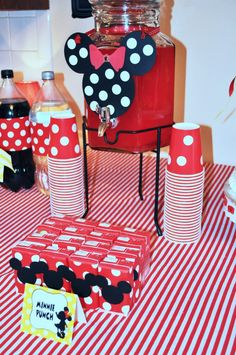Minnie mouse party drinks with pink and black instead of red