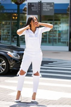 how to style overall for summer, tjmaxx, www.jadore-fashion.com Best Casual Dresses, Stylish Outfits, Nice Dresses, All White Outfit, White Outfits, Summer Looks For Men, Black Fashion Bloggers, Crisp White Shirt, White Denim