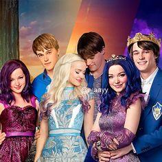 Their romance evolved The Descendants, Descendants Pictures, Cameron Boyce Descendants, Descendants Characters, Disney Channel Descendants, Disney Channel Original, Disney Channel Stars, High School Musical, Cheyenne Jackson