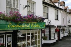 Hemel Hempstead, Hertfordshire http://www.picturesofengland.com/England/tour/English_Cottages/pictures/1106818
