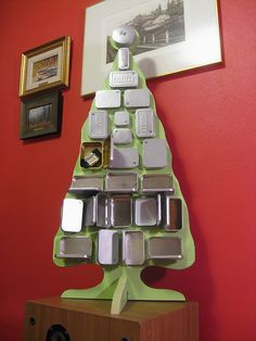 Altoid tin advent calendar submitted in my contest on Altoid tin recycling. Very cool. Maybe a winner?