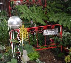 Recycled materials in the garden from the Bloomin Backyard Tour in 2010 Petaluma