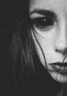 scary Black and White creepy photo horror picture dark Demon gothic Macabre black eyes obscure Creepy Photography, Dark Photography, Art Zombie, Arte Obscura, Arte Horror, Angels And Demons, Dark Beauty, Dark Side, Beautiful Flowers