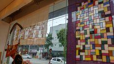 긴 숙제를 마쳤다. 뽀드득 유리창을 닦고 지난 밤 완성한 조각보를 달았다. 바느질은 과정 내내 수행이어도... Korean Traditional, Needlework, Diy And Crafts, Blog, Painting, Scrappy Quilts, Tapestries, Embroidery, Costura