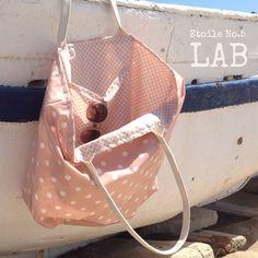 Diseña tu propio bolso de playa, elige entre mas de 30 tejidos provenzales distintos. Plastificados y reversibles.  De venta exclusiva en Etoile No.5 www.etoileno5.com