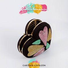 """♥Cartera """"Corazón"""" negra con pedrería♥ ♥BUTRICHMANÍA♥"""