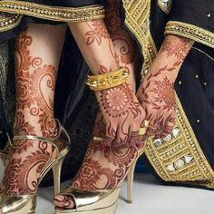 Indian Mehndi Designs, Latest Bridal Mehndi Designs, Henna Art Designs, Mehndi Designs For Girls, Unique Mehndi Designs, Mehandi Designs, Leg Mehndi, Legs Mehndi Design, Mehndi Design Pictures