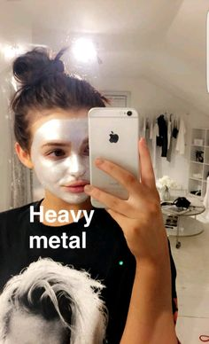 Kelsey Simone - Heavy metal