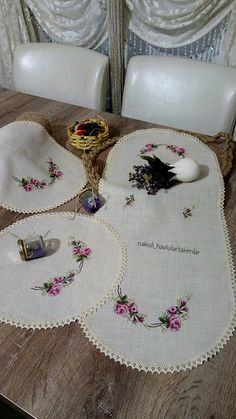 Previous Next Schlafzimmer Set Kreuzstichmuster Source by HomeLand Previous Next Embroidery Designs, Things To Think About, Cross Stitch, Crochet, Model, Balmain, Store, Stitches, Needlepoint