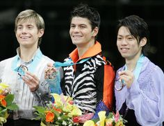 With Jeffrey Buttle(USA) and Stephan Lambiel(Swiss)