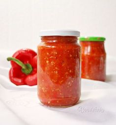 Paprikáš z hlivy ústricovej Chili Pasta, Food Club, Chutney, Pesto, Food To Make, Food And Drink, Cooking Recipes, Pizza, Homemade