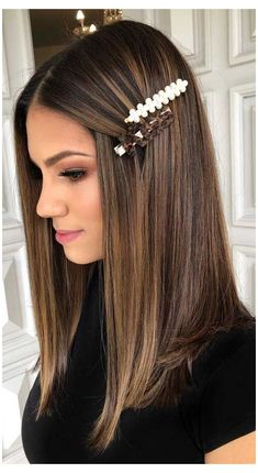 Brown Hair With Blonde Highlights, Brown Hair Balayage, Hair Highlights, Balayage Straight Hair, Hair Color For Black Hair, Cool Hair Color, Brown Hair Colors, Change Hair Color, Summer Hair Color For Brunettes