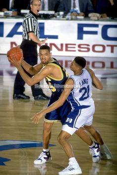 Fab Five Sneakers Basketball Legends, Love And Basketball, College Basketball, Basketball Players, College Hoops, Fab Five, Wwe Roman Reigns, Duke Blue Devils, Sports Memes