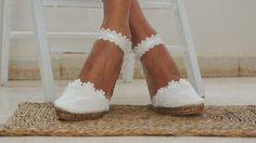 Alpargatas Novia-Ibicencas Ibicencas Bridal espadrilles handmade with natural fabric and white guipure applique, exclusive for you and your feet. Father Of The Bride Outfit, Ibiza Wedding, Evolution T Shirt, Gifts For Photographers, Simple Bags, Wedding Shoes, Lace Wedding, Celebs, Bridal