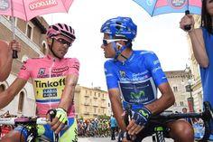 @albertocontador with the new Maglia Azzurra @benatintxausti #giro