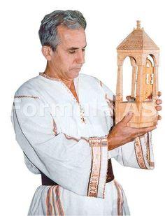 DAN, omul pasare The Creator, Dan, Popular, Wood Carving, Furniture, Wood Carvings, Popular Pins, Home Furnishings, Woodcarving