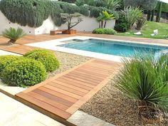 Wooden exterior fittings: garden, pergola, arbor and wooden staircase . Wooden exterior fittings: garden, pergola, arbor and wooden staircase. Var and Alpes Maritimes. Fréjus - Draguignan - Gulf of St Beste Gläser. Backyard Pool Landscaping, Backyard Pool Designs, Swimming Pools Backyard, Swimming Pool Designs, Pergola Designs, Landscaping Ideas, Modern Backyard Design, Wooden Garden Gazebo, Gazebo Pergola