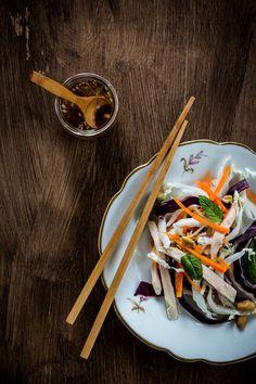 vietnamese-salad, ensalada, salad, col china, chinese cabbage, wusthof, kinfe, cocina saludable, receta sana, receta vietnamita, cocina asiática, fotografía culinaria, food styling, food stylist