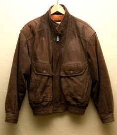 Men s Vintage Brown Leather Bomber Jacket - Flight Jacket Vintage Menswear  Outerwear 1935b9868bf