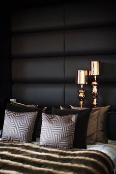 Interior Inspirations Dare To Go Dark Dark Walls In The Bedroom Gold Bedroom, Dream Bedroom, Master Bedroom, Bedroom Black, Bedroom Furniture, Bedroom Decor, Bedroom Ideas, Pipe Furniture, Furniture Vintage