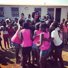 The lovely actress Priyanka Chopra is in South Africa as a part of the UNICEF event. Priyanka Chopra shares videos and photos from her South Africa trip which is happening there. Priyanka is the Global Ambassador for UNICEF.   #Bollywood #Bollywood actresse's #bollywood fun #bollywood goships #Bollywood News #bollywood times #dance moves #Global Ambassador #khabarsamay #priyanka chopra #South Africa #thumka #UNICEF event