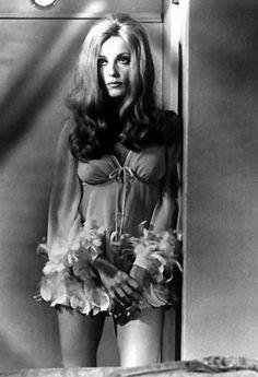 """Sharon Tate en """"No hagan olas"""", 1967"""