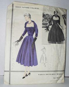 VINTAGE VOGUE DRESS PATTERN 1196 PARIS ORIGINAL MODEL BY DESSES 1952