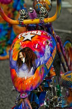 Tank Art on the Janis Joplin Bike from Rick Fairless' Strokers Dallas. Motorcycle Paint Jobs, Motorcycle Tank, Custom Choppers, Custom Harleys, Motos Harley Davidson, Custom Tanks, Harley Bikes, Custom Paint Jobs, Air Brush Painting