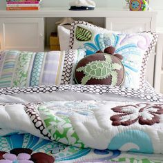 Get inspired with teen bedroom decorating ideas & decor from Pottery Barn Teen. From videos to exclusive collections, accessorize your dorm room in your unique style. Bedroom Themes, Girls Bedroom, Bedroom Decor, Beach Bedrooms, Childs Bedroom, Bedroom Designs, Bedroom Ideas, Hawaiian Bedroom, Hawaiian Decor