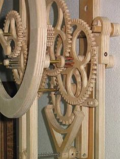 Wooden Gear Clock Plans from Hawaii by Clayton Boyer Woodworking Projects That Sell, Woodworking Box, Woodworking Supplies, Custom Woodworking, Woodworking Classes, Wooden Clock Kits, Wood Clocks, Wooden Gears, Mechanical Clock