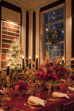 A Vintage Christmas Dining Room  Vintage Christmas Room And Holidays Extraordinary Christmas Dining Room Decorating Inspiration