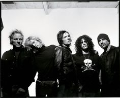 See Velvet Revolver pictures, photo shoots, and listen online to the latest music. Guns N Roses, Velvet Revolver Slither, Hard Rock, Rock Revolution, Grunge, Scott Weiland, Duff Mckagan, Stone Temple Pilots, Musica