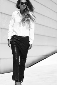 Black and white style // Camilla Abry // Shirt // FWSS //Leather Pants // InWear // Bag // Alexander Wang //Bracelet // Givenchy // Shoes Alexander Wang