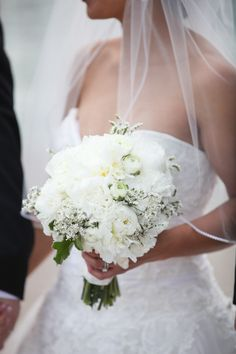 White bouquet   Floral Design: Elena Villalon of He Loves Me, He Loves Me Not