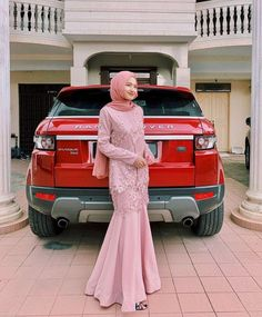 Discover recipes, home ideas, style inspiration and other ideas to try. Dress Muslim Modern, Kebaya Modern Dress, Muslim Wedding Dresses, Event Dresses, Modest Fashion Hijab, Modern Hijab Fashion, Muslim Fashion, Dress Brukat, Hijab Dress Party