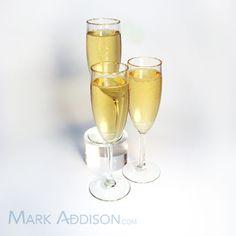Champagne Kiss Cocktails: Champagne, Elderflower Liqueur, and a splash of lemon. Sounds delightful.