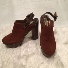 "Steve Madden Suade and Leather Clogs Sexy and extremely sassy clogs maybe worn 2-3 times the most.  Very comfortable just too high for me 4"" heels.  Small (not noticeable) scuff on the left bottom platform.  A must buy! Steve Madden Shoes Mules & Clogs"