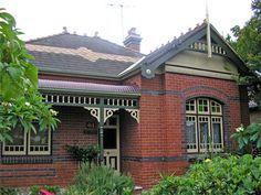 Brick Victorian homes - Yahoo Image Search Results Exterior Color Schemes, Exterior Paint Colors, Exterior Design, Colour Schemes, Paint Colours, Victorian Style Homes, Edwardian House, Australian Architecture, Australian Homes